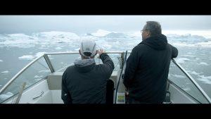 klimaaendringer-i-groenland-film2-borgmester-nordkommunen-i baad