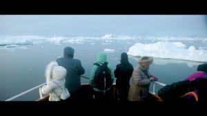 klimaaendringer-i-groenland-film2-fjord-turister